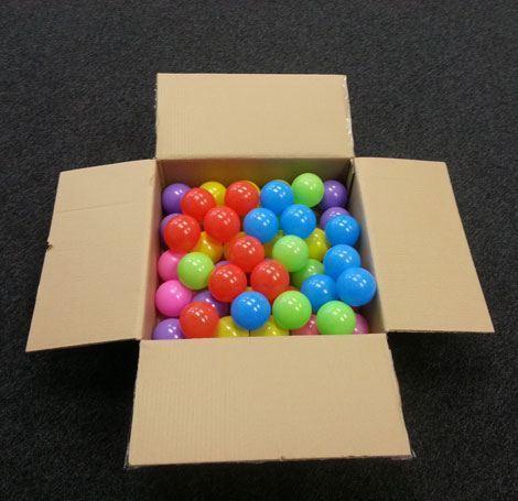 bolas para jugar en su caja