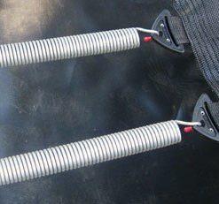 montaje muelles en estructura proline redonda sujetando malla