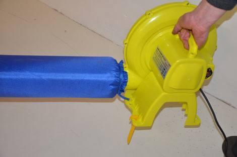 inflador para hinchables en funcionamiento